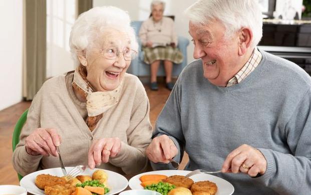 Alimentația persoanelor în vârstă, Foto: imgarcade.com