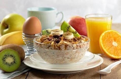 Alimentație sănătoasă pentru mic dejun