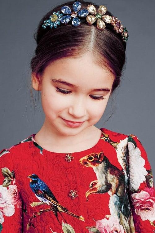 Bijuterii în păr, Foto: thegioitre.vn