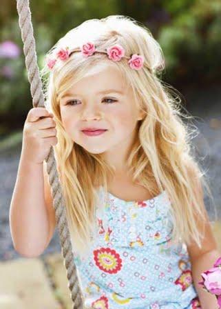 Coafură pentru fetiță cu păr lung, Foto: diaporamas.doctissimo.fr