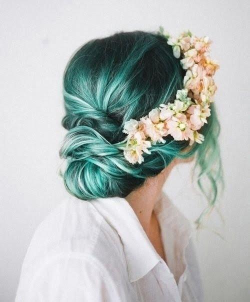 Coafură elegantă cu părul verde, Foto: hair.allwomenstalk.com