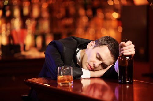 Consumul excesiv de alcool poate duce la impotență, Foto: uzmantedavi.net