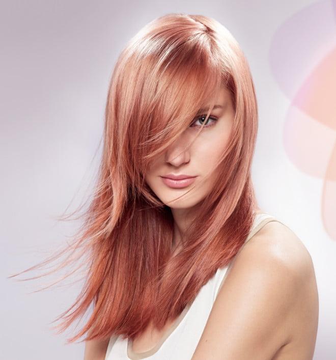 O nuanță de păr elegantă, cu accente roz și aurii, Foto: fashionistainsuburbia.com