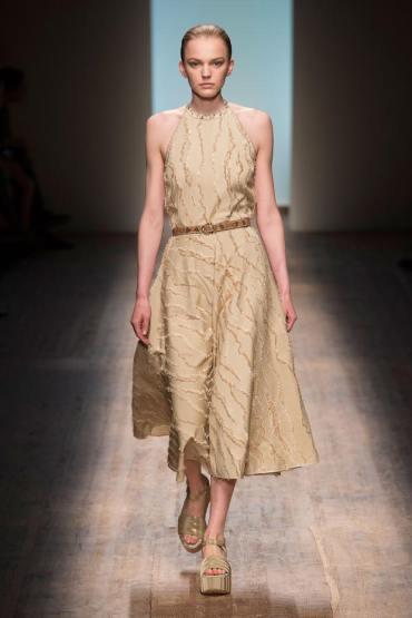 Rochie Salvatore Ferragamo la modă în 2015, Foto: afashionistasdiary.com