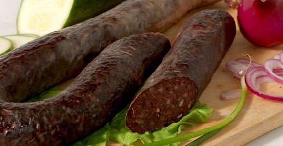 Sângerete, preparat tradițional din carne și sânge de porc, Foto: travelingeast.com