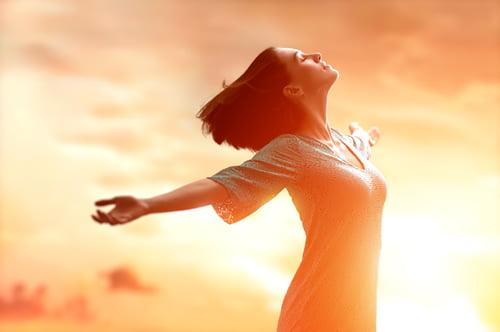 Soarele este important pentru sănătate pentru sintetizarea în organism a necesarului de vitamina D, Foto: sloncewpigulce.pl