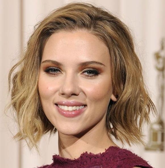 Tunsoare bob ciufulit la actrița Scarlett Johansson, Foto: 123tagged.com