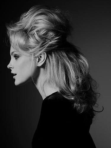 Coafură elegantă pentru femei, Foto: lucialadeflor.com