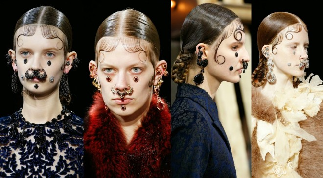 Coafuri Givenchy în stil gotic, Foto: thegloryholes.blogspot.ro