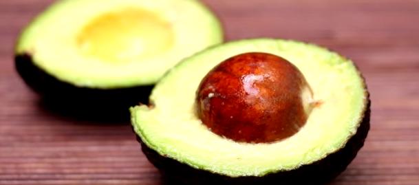 Fructul avocado este bogat în vitamina B5