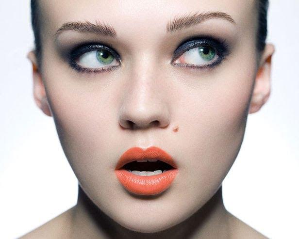 Machiaj pentru ochi verzi, ruj orange, Foto: beautybonanzasparkles.blogspot.ro