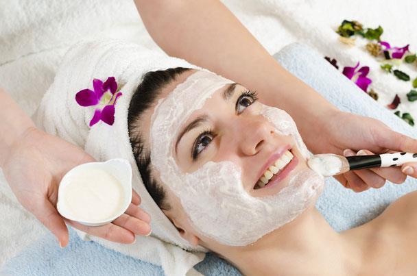 Mască cosmetică cu argilă albă, Foto: shamsprint.blogspot.com