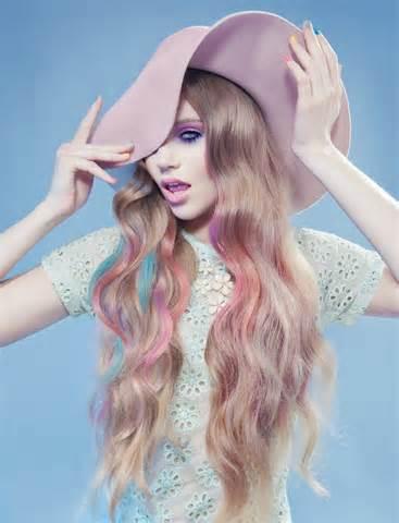 Nuanțe pastel pentru păr, Foto: theoryhairsalon.com