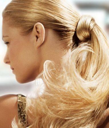 Părul prins la spate în coadă de cal, Foto: bellezzashop.com
