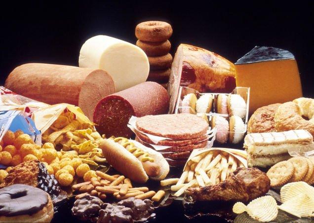 Surse alimentare de grăsimi saturate care duc la creșterea nivelului de colesterol din sânge, Foto: observationdeck.kinja.com