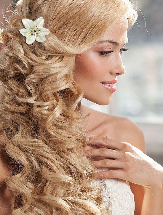 Coafură pentru mireasă, accesorul de păr în formă de floare cu elemente Swarovski, Foto: imperiale.ro