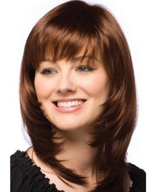 Coafură pentru femei cu fața rotundă și păr de lungime medie, Foto: stylestime.net