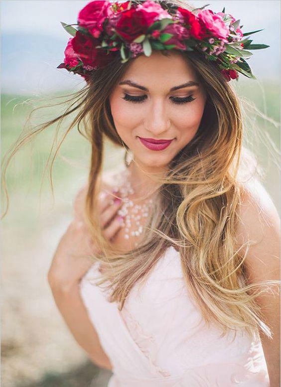 Coroniță de flori naturale în păr, Foto: accessoirescheveuxchic.com