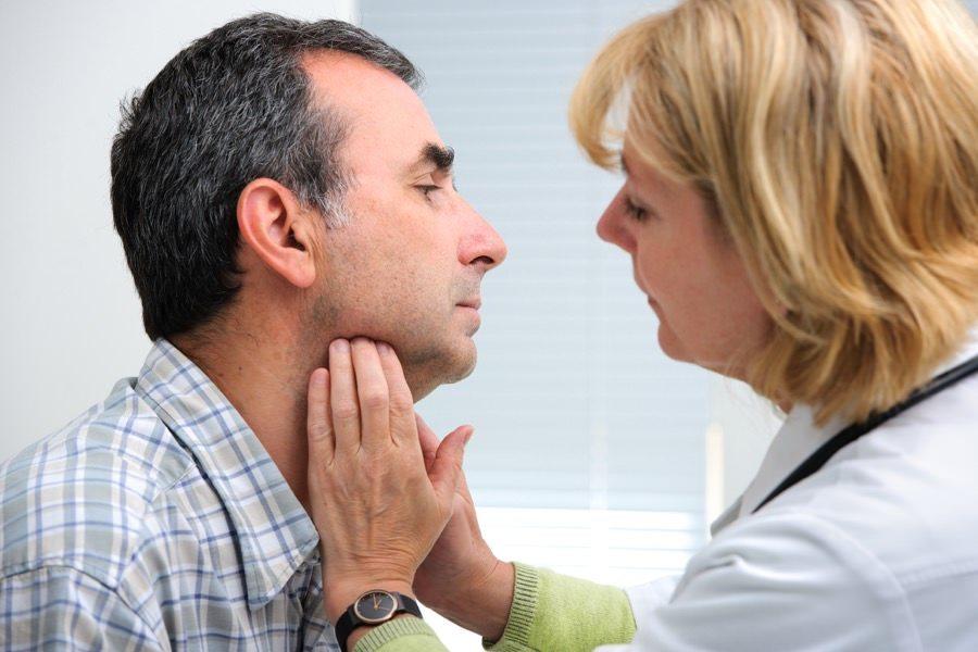 2-bolile-glandei-tiroide