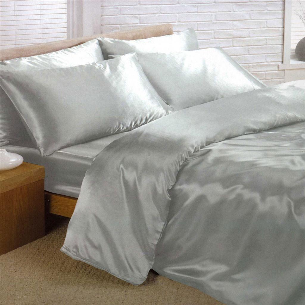 Lenjerie de pat din satin, Foto: img.auctiva.com