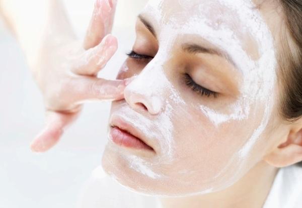 Tratament cosmetic pentru față, Foto: horoshulya.ru