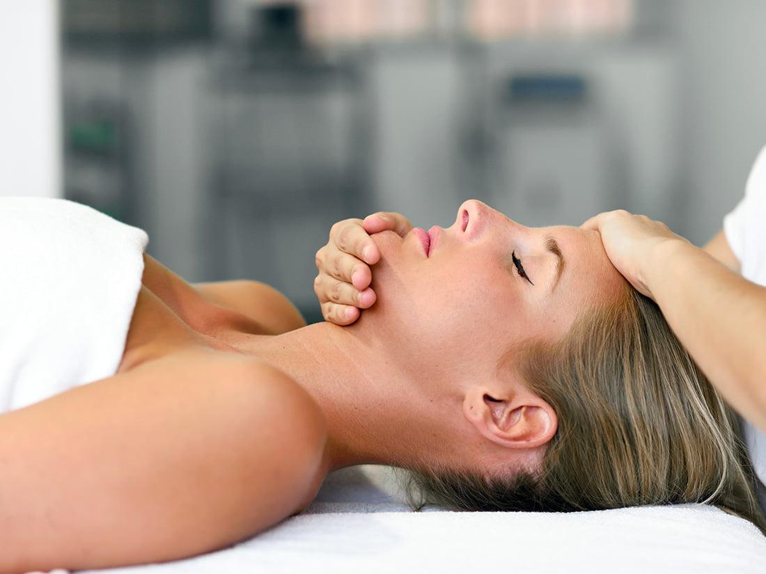 7-masajul-capului-si-fetei