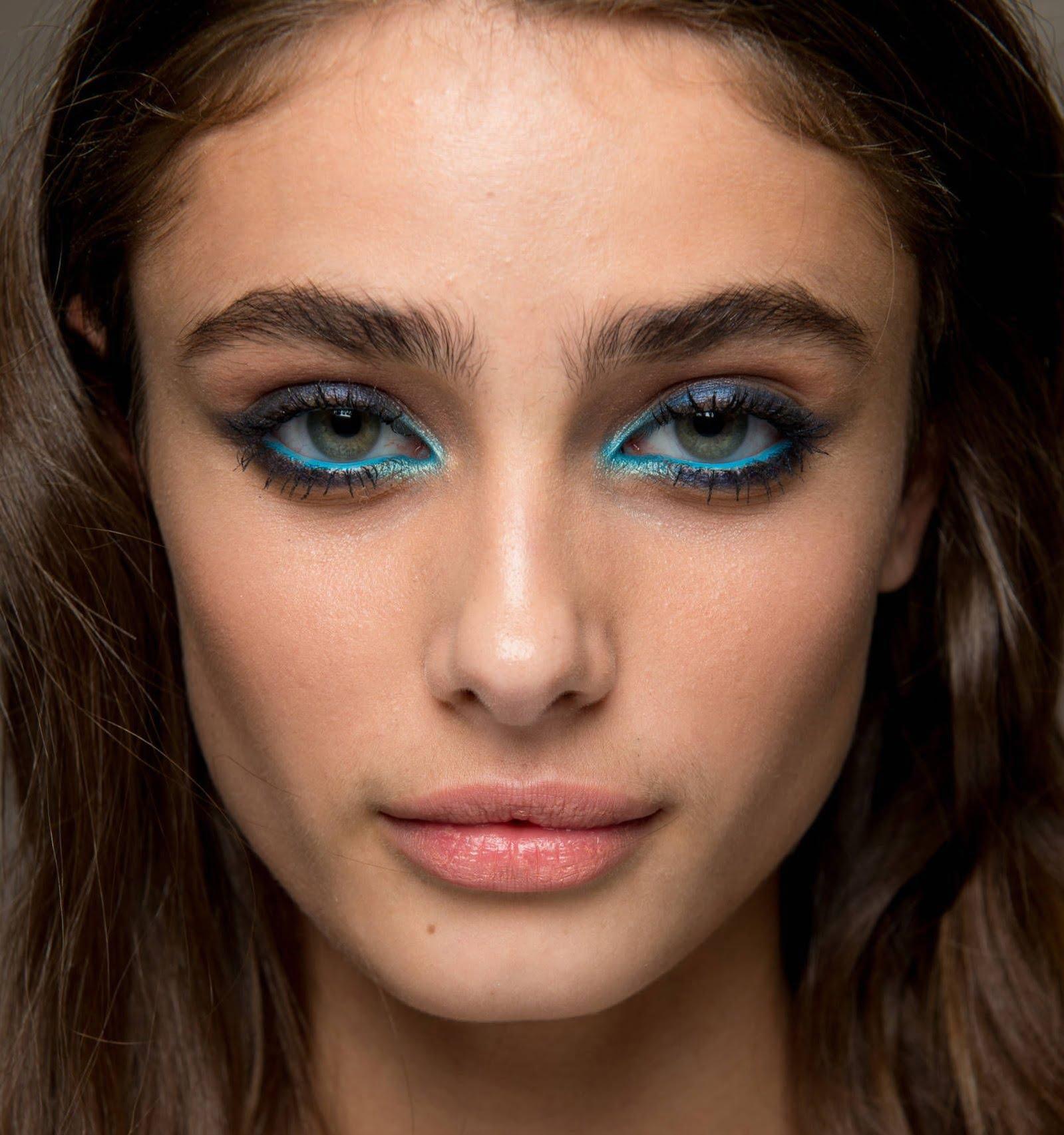 4-machiaj-albastru-la-ochi