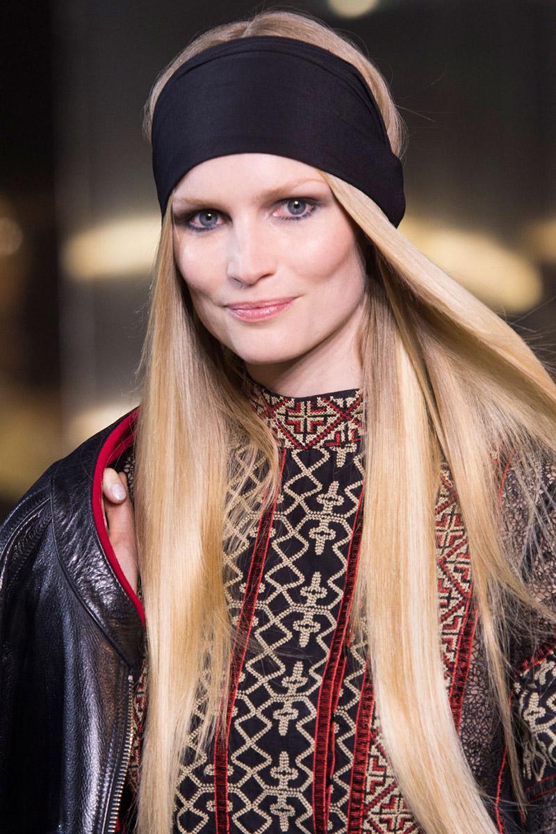 Coafură cu părul drept, Foto: harpersbazaar.com