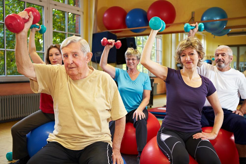 Exerciții pentru persoane cu vârsta medie (45-59 ani) și vârstnici (60-74 ani), Foto: napervilleseniorcenter.com