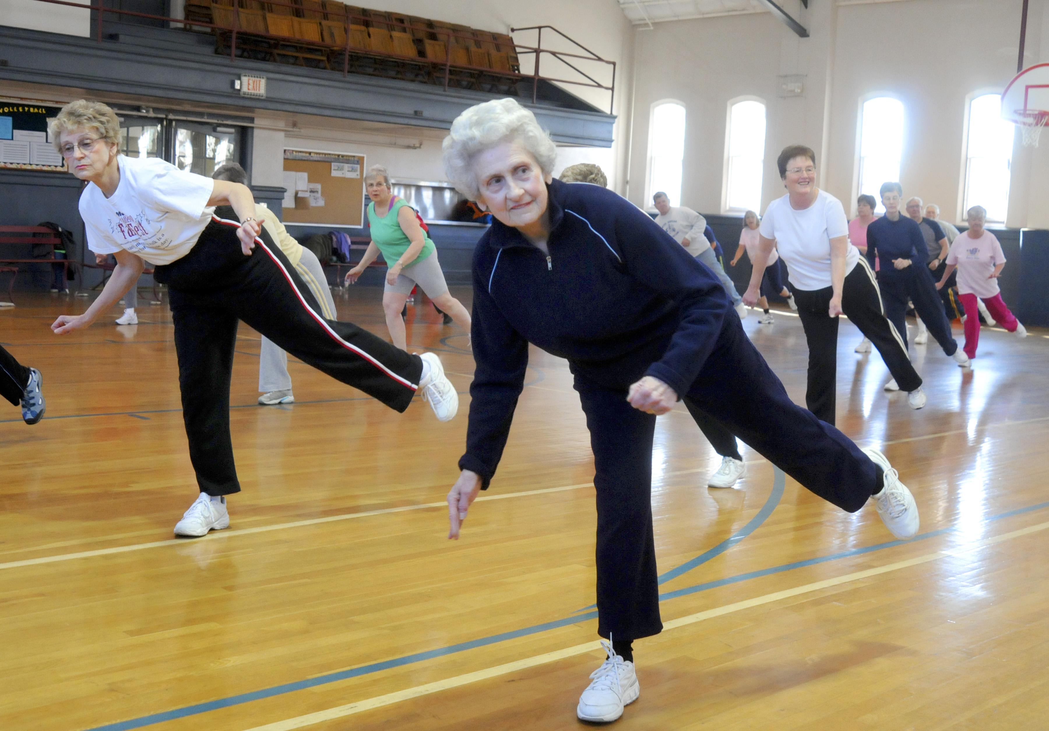 Exerciții aerobice de întindere și flexibilitate, Foto: belezabemestar.com
