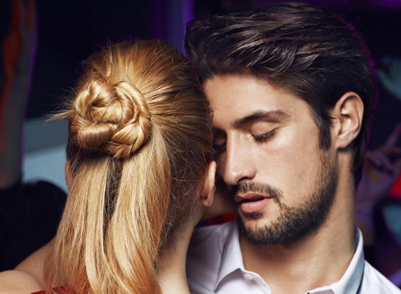 Coafură simplă pentru părul lung, Foto: masculin.com
