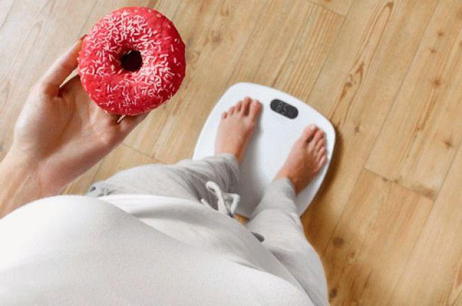 Prea multe dulciuri duc la apariția obezițății, Foto: headinsider.net