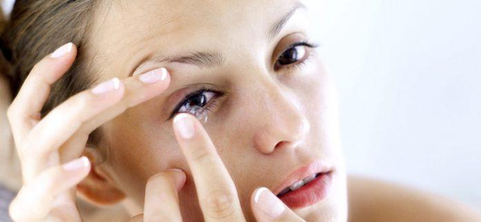 Lentile de contact pentru femei