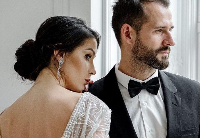 Modele de costume de nuntă 2021